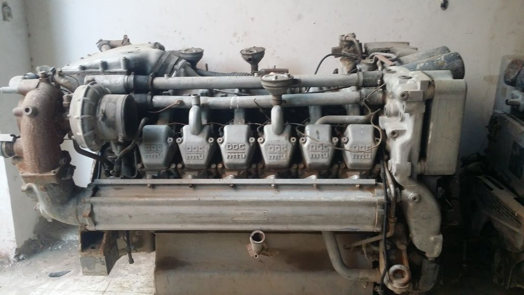 Used MTU engine Engine power: 600kw (800hp) Model: 12v 2000 m60 Year of build: 1998 serial number 535000192
