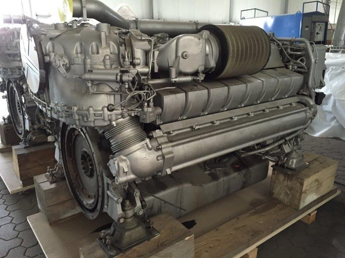 In stock used MTU engine 2 pcs MTU 16V 2000 M72  536 107 271 & 536 107 272