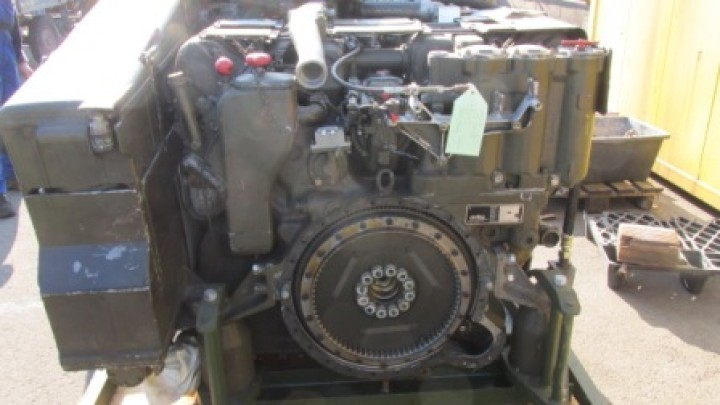 MTU 6V used diesel engine MB 833 EA-500 600 HP